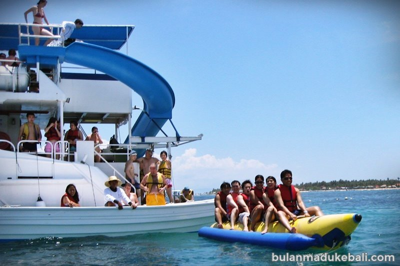 Main Water sport di Lembongan Explorer Cruise